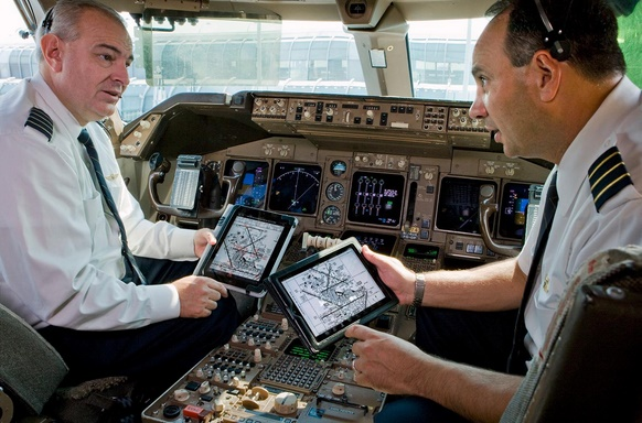 Issue with Apple iPad app delays American Airlines flight