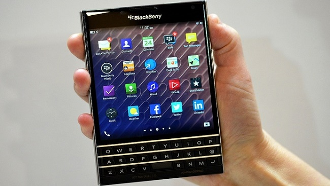 AT&T to launch BlackBerry Passport & Classic device