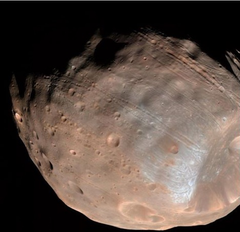NASA says Mars may be tearing apart its closet moon Phobos