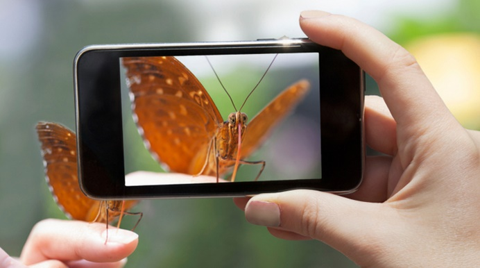 A step closer to capture better moments in Smartphone Cameras