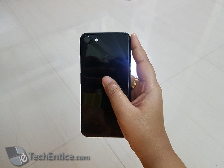 Iphone 7 128 Gb Jet Black Model Hands On Review Pros And Cons