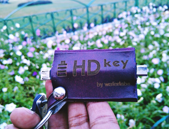 HDKey-World's first phone-to-phone charger by WaferLabs
