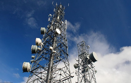 Mysterious cell towers may Intercept calls