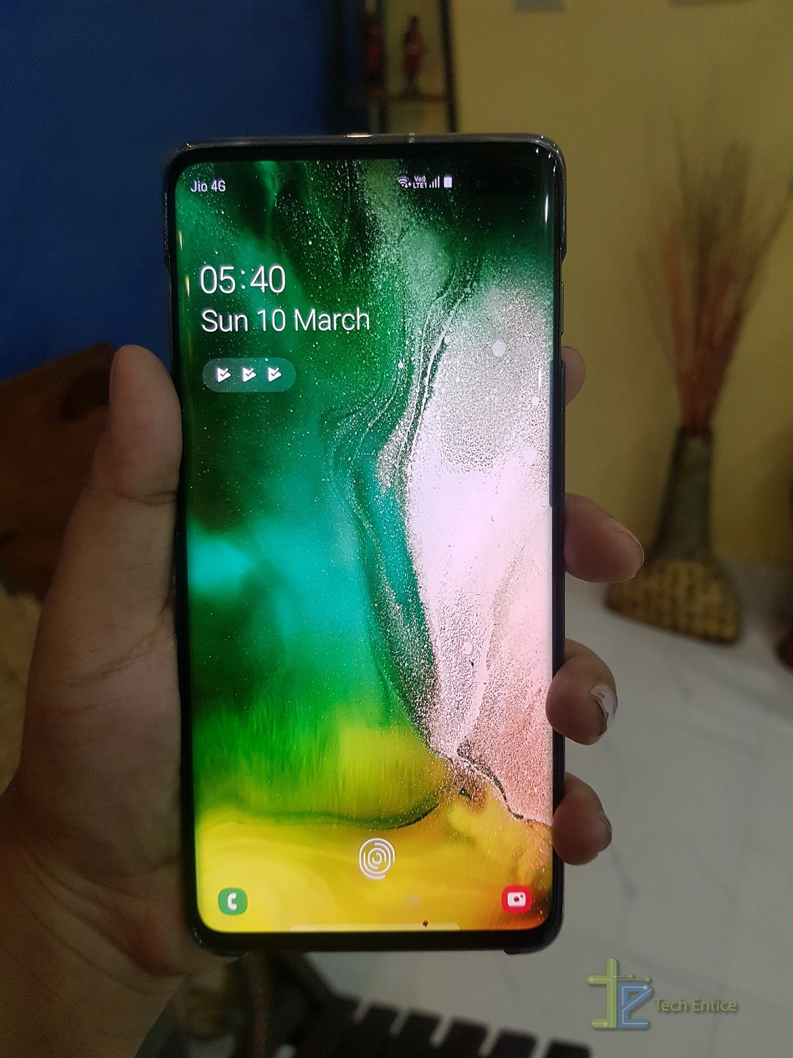 s10 plus display