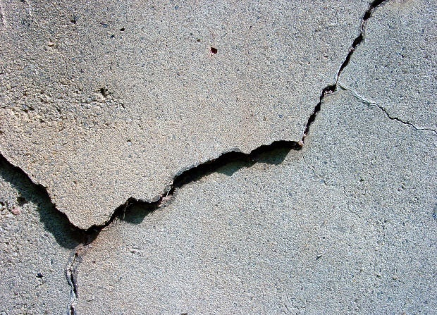 Self-Curing Concrete Fettles Cracks