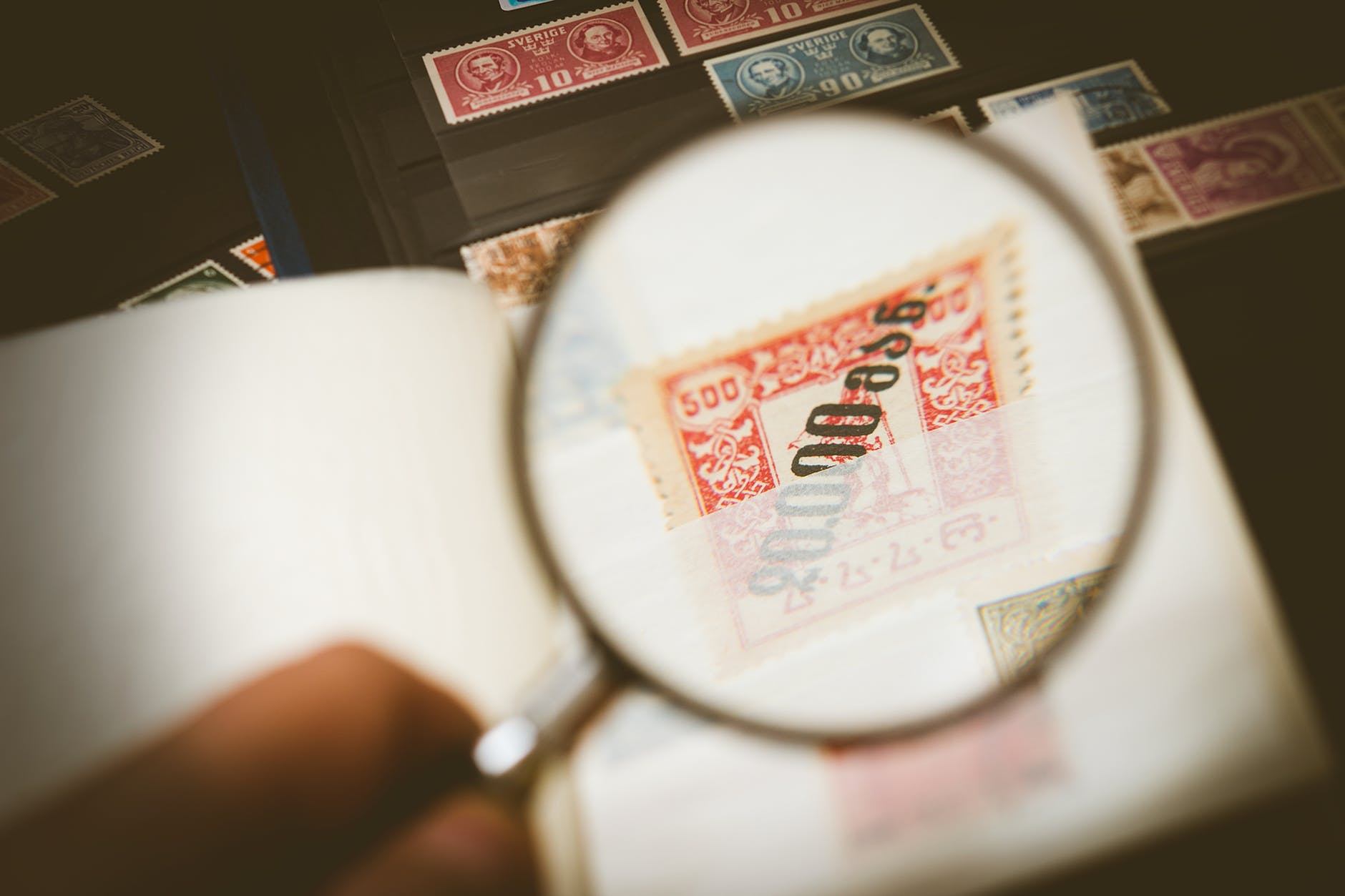 Online vs Offline: Where's best for buying stamps?