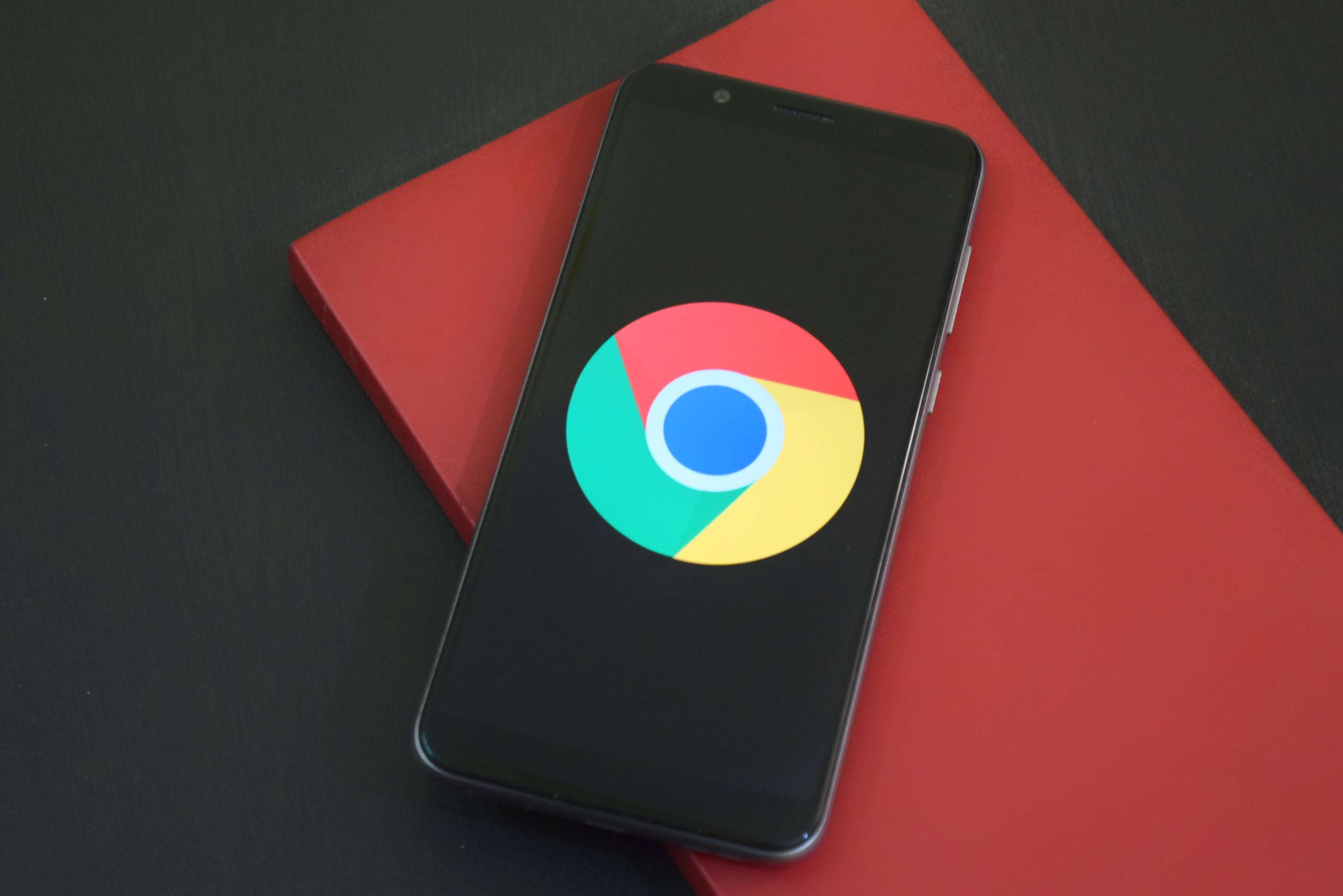 Google Chrome Will Warn You If Your Web Passwords Are Compromised or Hacked