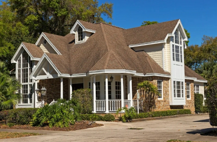 5 Warning Signs Your Roof Needs Repair Or Replacement That You Can't Afford to Ignore